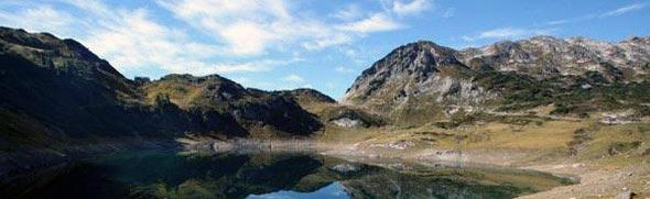 See inmitten vom Gebirge