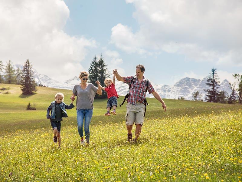 Großansicht - Familie-Alm-Frühling © Salzburger Saalachtal Tourismus