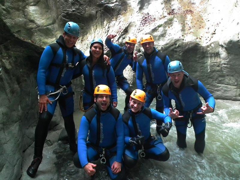 Großansicht - Teilnehmer einer Canyoning Tour