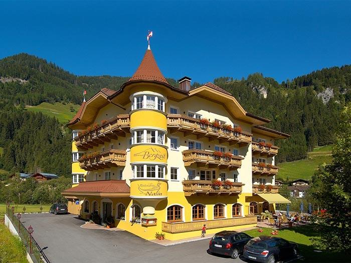 Großansicht - Aussenansicht vom Hotel Bergzeit in Grossarl