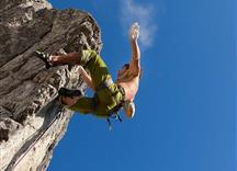 PillerseeTal: Klettern auf der Steinplatte in Waidring