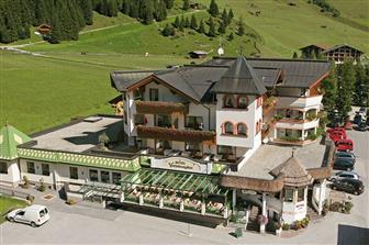 Aussenansicht Hotel Vierjahreszeiten in Hintertux im Zillertal