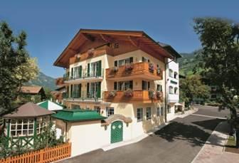 Aussenansicht Landhotel Römerhof in Dorfgastein