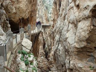 Wanderweg an der Felswand von Caminito del Rey