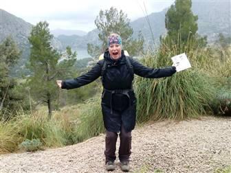 Wanderer auf einem Trekking-Weg in Mallorca