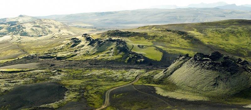 Luftaufnahme einer Vulkanlandschaft