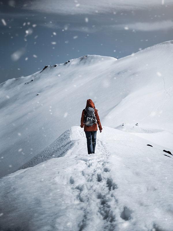 walking-on-snow